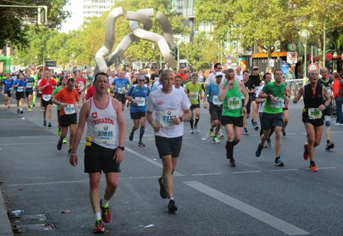 Marathonläufer am Tauentzien