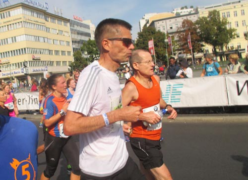 Marathonläufer am Wittenbergplatz