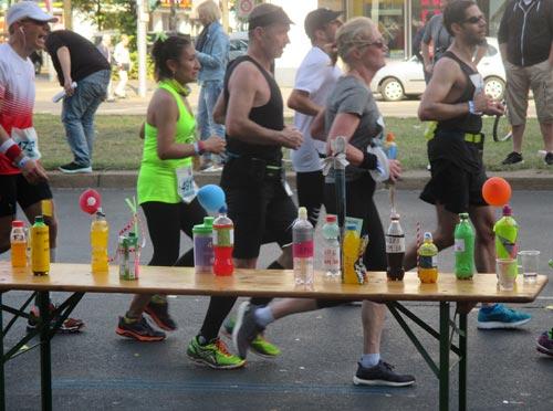 Spezialverpflegung für die Top-Läufer