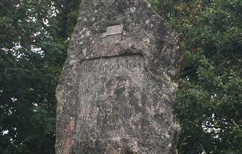 Kirchen-Gedenkstein