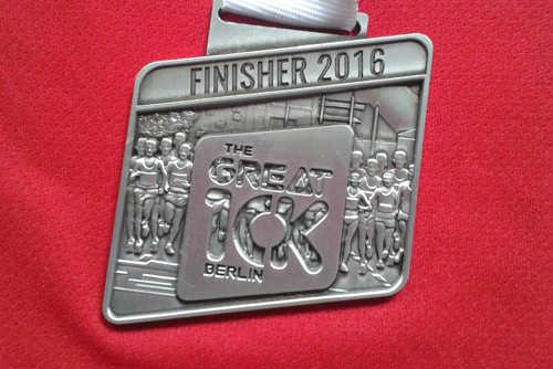 Finisher-Medaille des Great 10k Berlin 2016