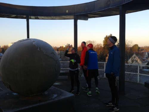 Läufer auf dem Lilienthal-Denkmal