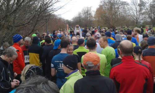 Kurz vor dem Start 10-km-Lauf im Britzer Garten
