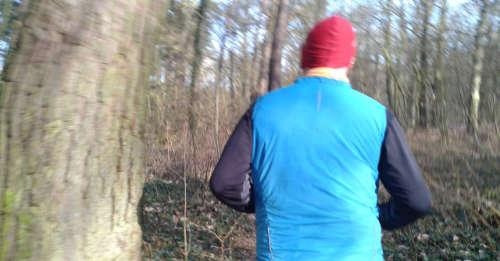 Laufen durch den Wald
