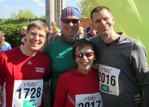 Gruppenbild vor dem Drittelmarathon in Potsdam