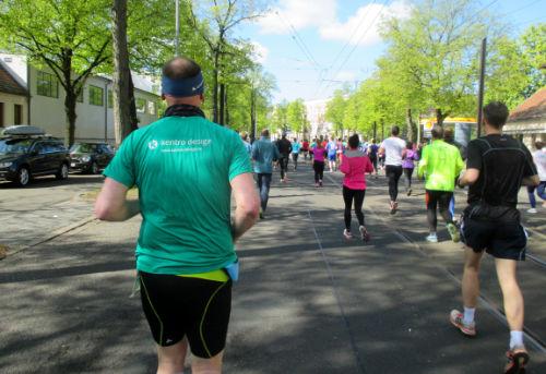 Läufer auf der Berliner Straße in Potsdam