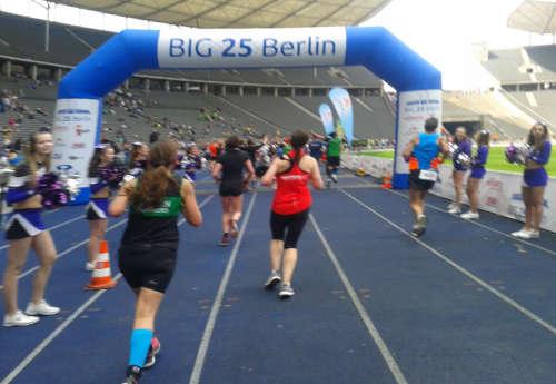 Kurz vor dem Zieleinlauf des Big25 Berlin 2017