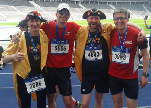 Läufer-Gruppenbild mit Kölner Piraten