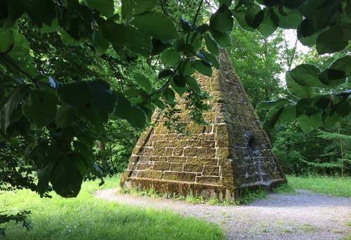 Cestius-Pyramide im Bergpark Wilhelmshöhe