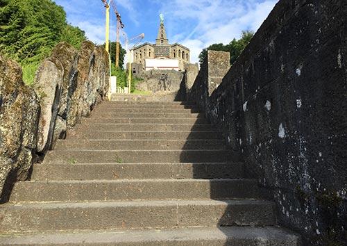 Treppen hinauf zum Herkules