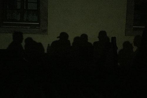Schattenriss der Laufblogger am Schloss