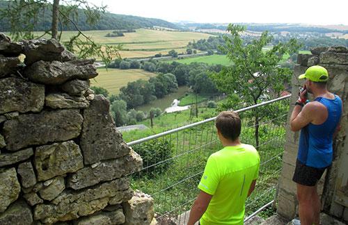 Blick von oben auf das Unstrut-Tal