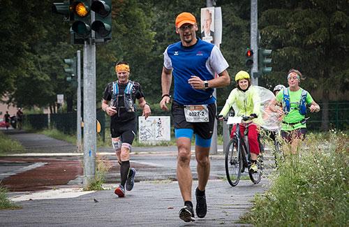 Läufer am Brunsbütteler Damm