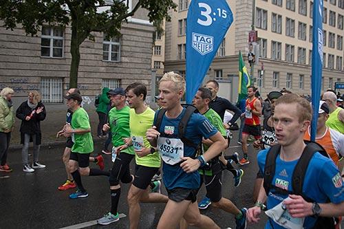 Marathon-Zugläufer 3:15h