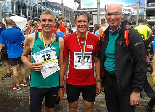 Gruppenbild im Ziel des Halbmarathon Tegel 2017
