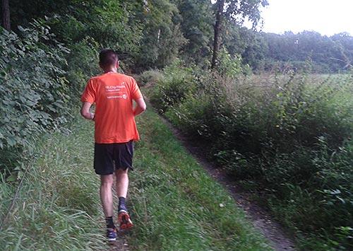Laufen an den Spargelfeldern bei Diedersdorf