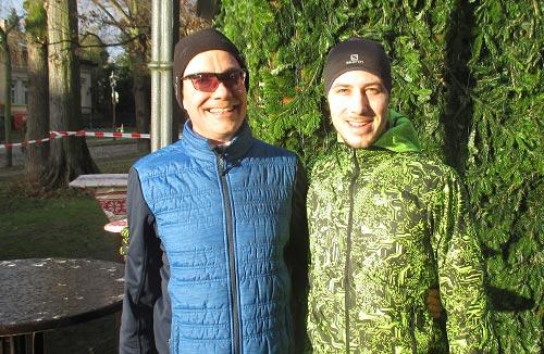 Läufer auf Weihnachtsmarkt