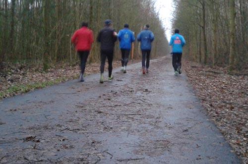 Läufer auf dem südlichen Berliner Mauerweg