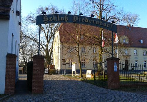 Eingangstor zu Schloss Diedersdorf