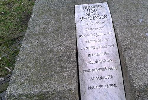 Gedenkstein an das ehemalige Außenlager des KZ Sachsenhausen im Bornhagenweg
