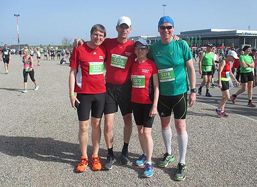 startblog-f-Läufer vor dem Start am Messegelände