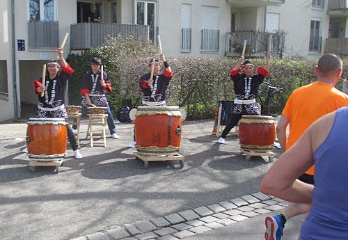 Asiatische Trommler