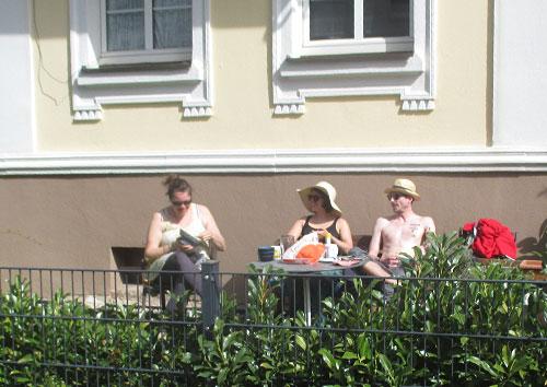 Zuschauer im Garten