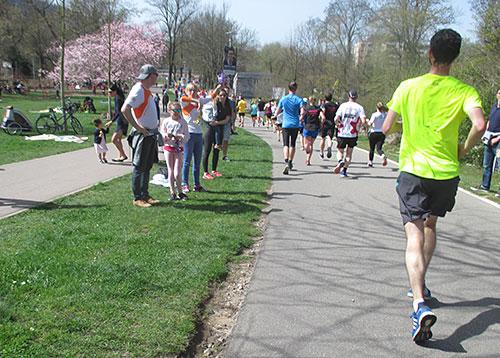 Läuferfeld auf der zweiten Hälfte