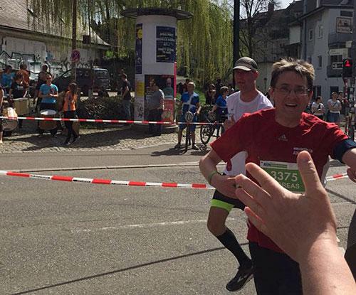 startblog-f-Läufer beim Freiburg-Halbmarathon