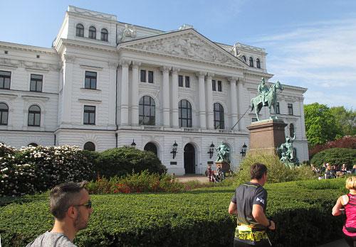 Stattliches Gebäude