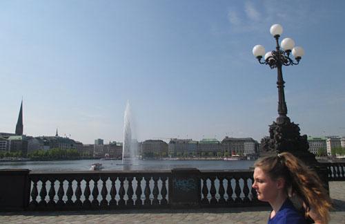 Läuferblick auf die Fontäne in der Binnenalster