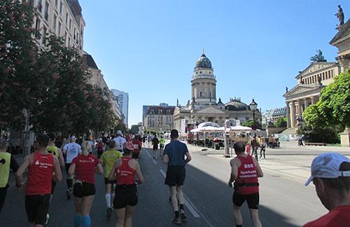 Läufer am Gendarmenmarkt
