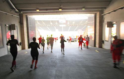Ende des Tunnels – Blick ins helle Olympiastadion