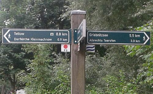 Wegweiser Richtung Albrechts Teerofen