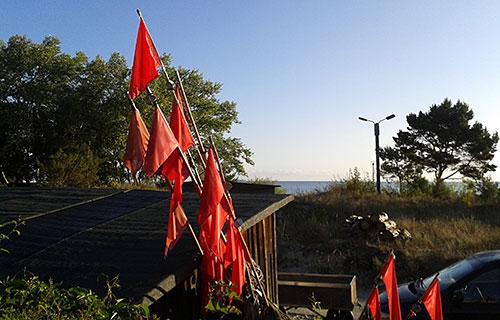 Fischerflaggen bei einem Fischrestaurant