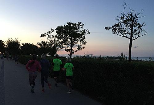Läufer auf der Promenade zwischen Ahlbeck und Heringsdorf