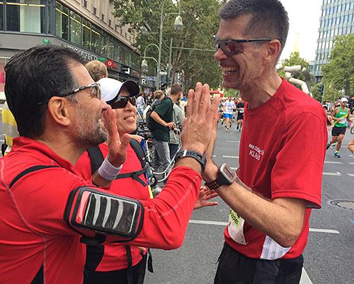 Treffen am Streckenrand des Berlin-Marathon 2018