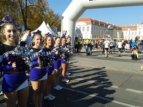 Cheerleader am Zieltor