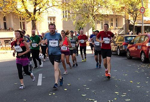 startblog-f-Läufer bei km 9