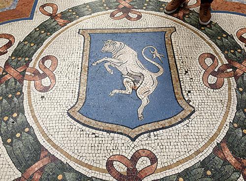 Mosaik mit dem Turiner Stier in der Galleria Vittorio Emanuele II