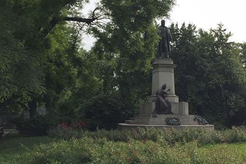 Denkmal Monumento a Cavour