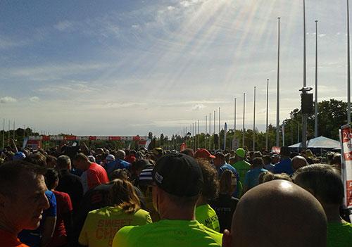 Läufer im Startblock beim S25 Berlin 2019