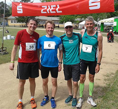 Marienfelder Läufer im Ziel des Scharmützelseelaufs 2019