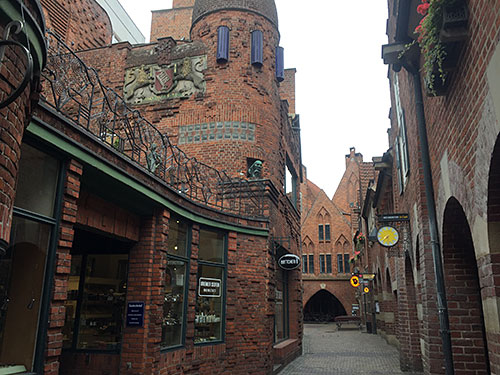 Böttcherstraße mit Backstein-Gebäuden
