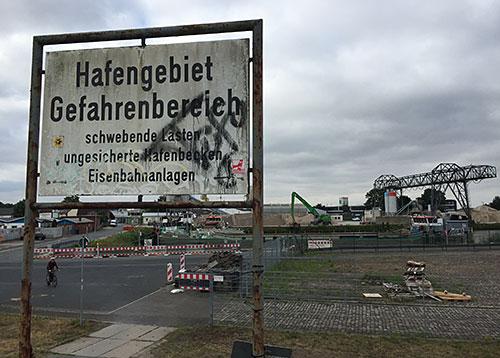 Schild im Hemelinger Hafen
