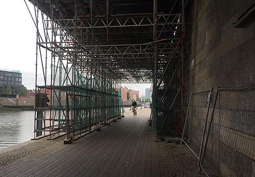 Baugerüst an der Weserpromenade