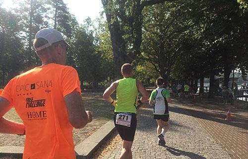 Läufer auf der Greenwich-Promenade