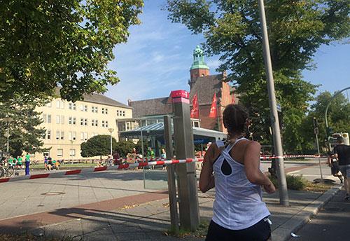Kurz vor dem Getränkepunkt am Rathaus Reinickendorf