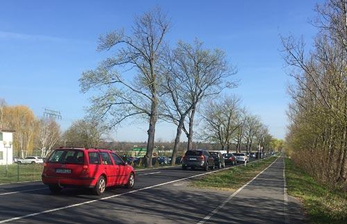 Autostau am Spargelgut Diedersdorf