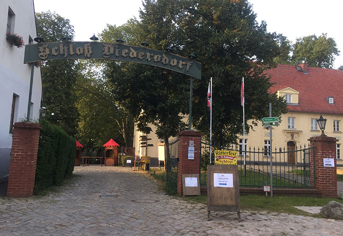 Tor zum Schloss Diedersdorf